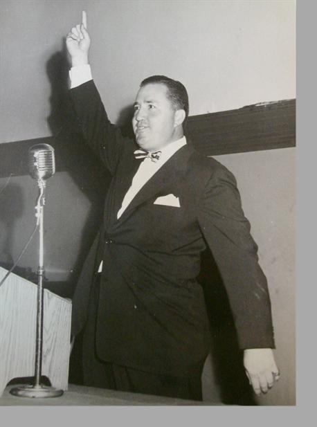 Elmer-at-Microphone